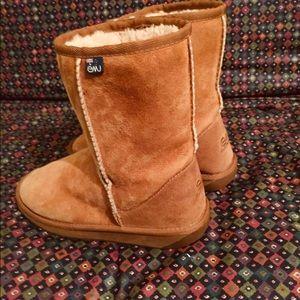 EMU Australian mid calf boots tan sheepskin 40